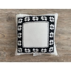"""HEARTH AND HAND MAGNOLIA 14"""" x 14"""" Pillow"""